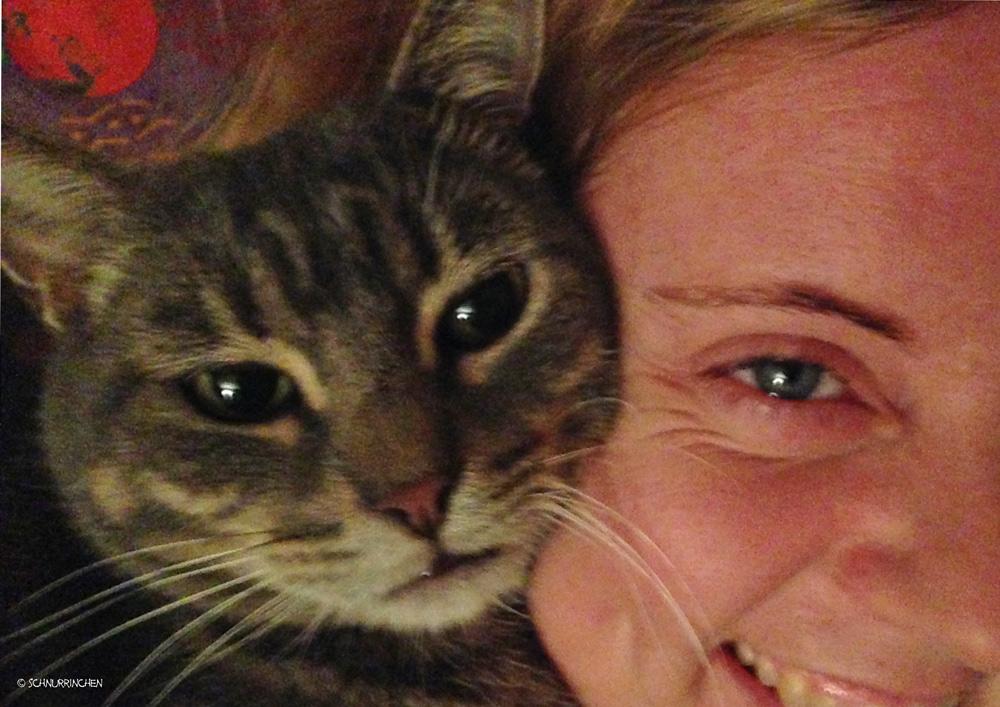 Ramses kuschelt mit Nina